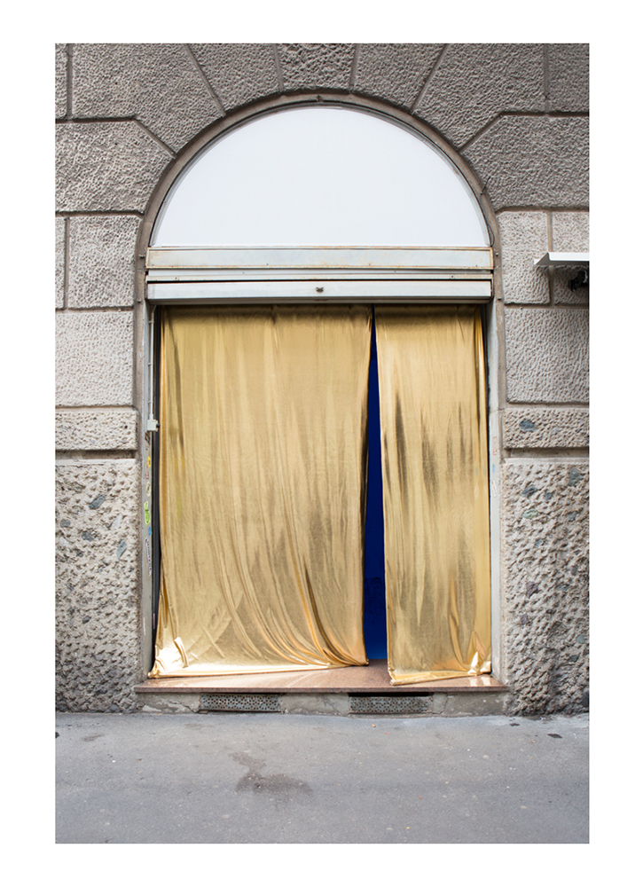 A Doorway to multiplicty [Golden Lycra, blue light] - Entrance to Anomalies in the flux of normal things, Nowhere Gallery, Milan 2018 (Beyond Beyond)