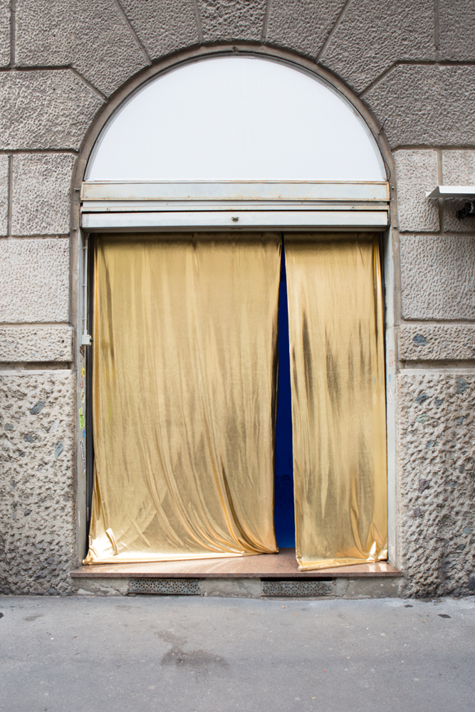 A Doorway to Multiplicity [Golden Lycra, blue light]. Entrance to: Anomalies in the flux of normal things. Nowhere Gallery, Milan 2018 - collaboration Beyond Beyond